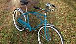 1965 Hawthorne with Hawthorne light and horn, Brooks B66